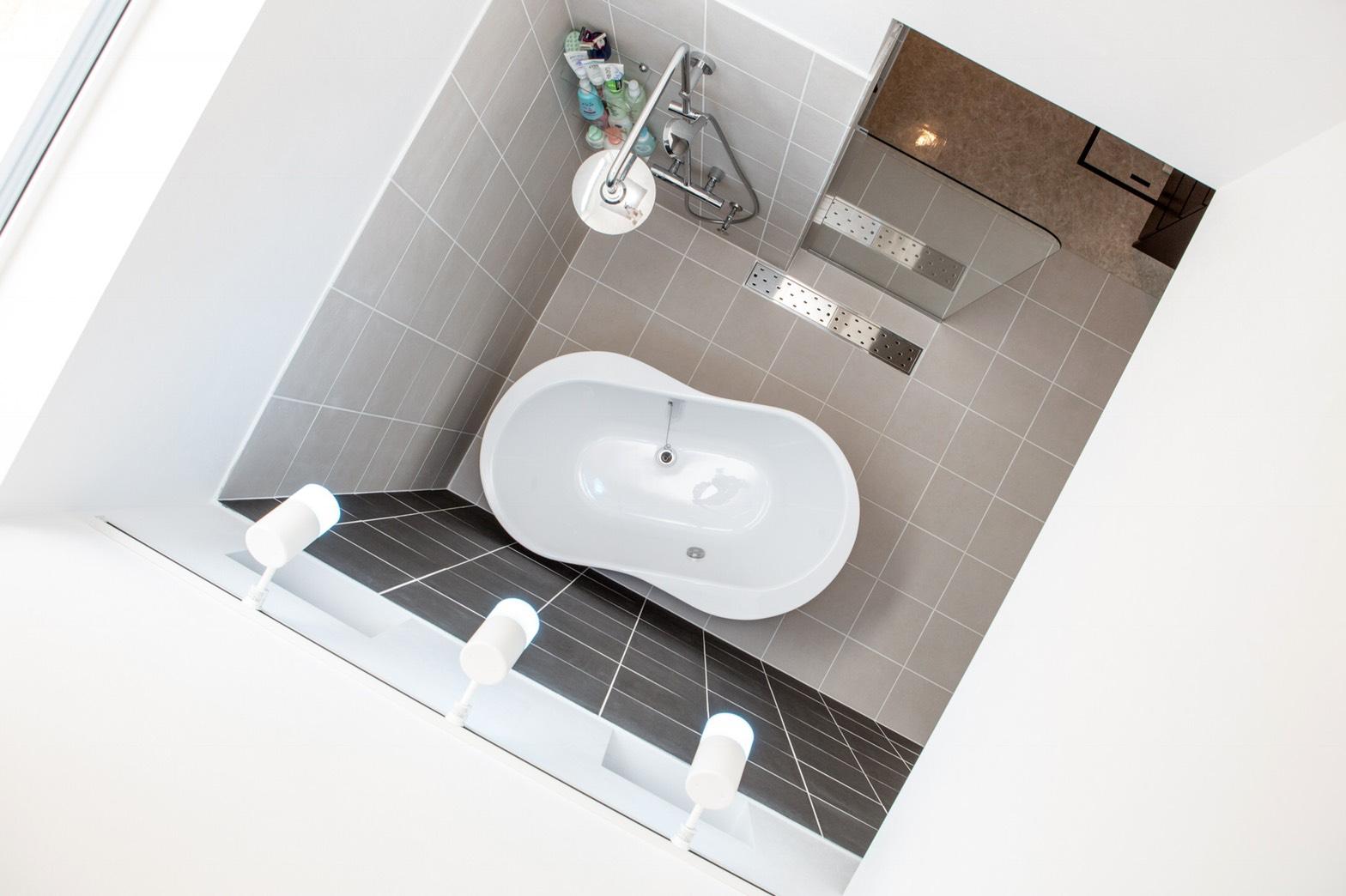 美濃加茂の匠建で天井のないお風呂を見たい